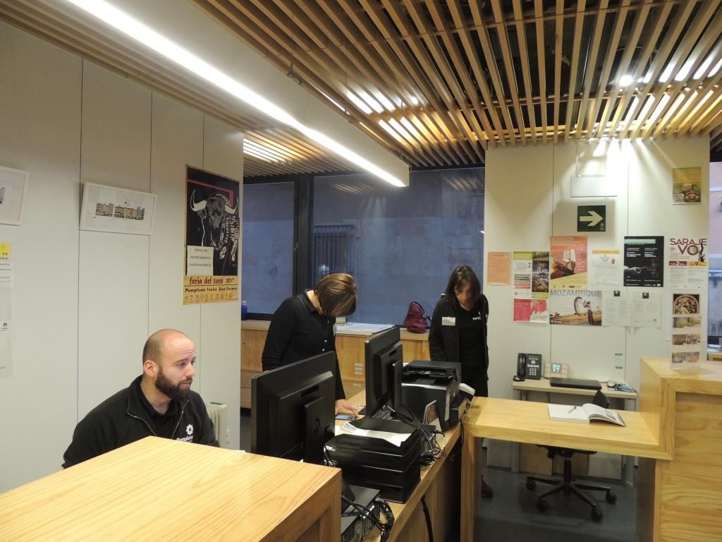 Aitziber imizcoz responsable por la oficina de turismo de for Oficina turismo pamplona